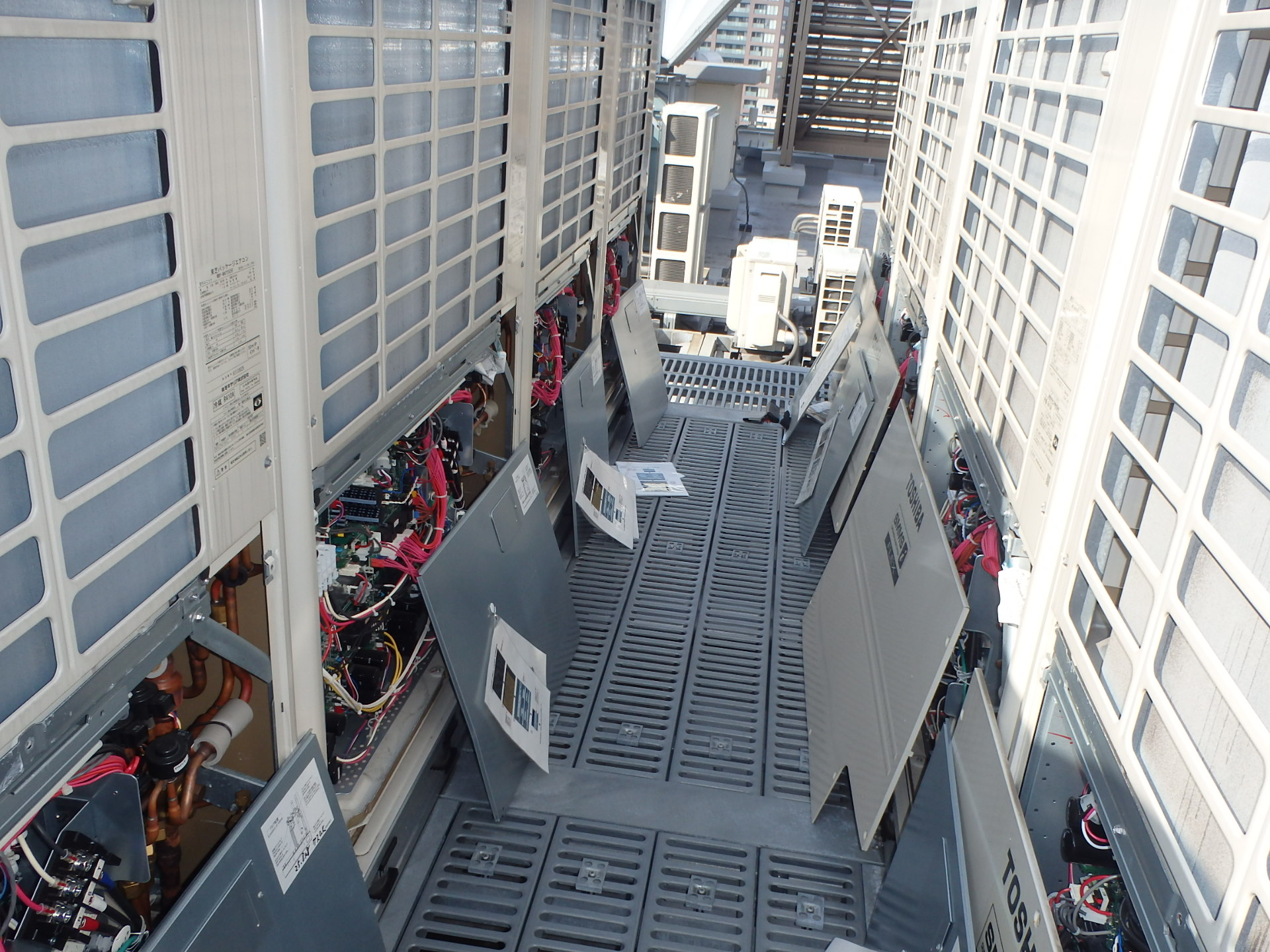 屋上の室外機 点検写真