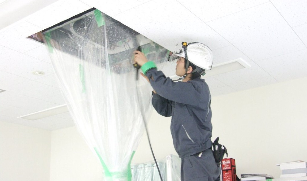 業務用エアコン分解洗浄 イメージ