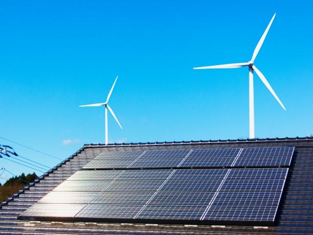風車と太陽光発電